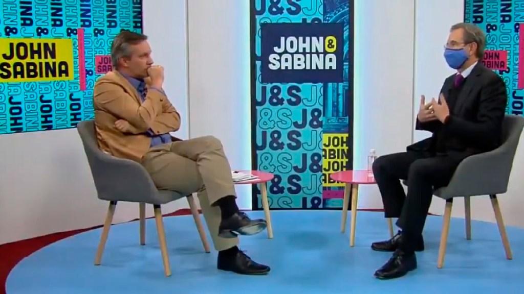 De común acuerdo, John Ackerman y Sabina Berman dan por terminada tercera temporada de 'John y Sabina' - Foto captura de pantalla