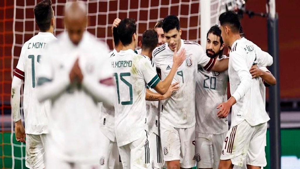 Raúl Jiménez e Hirving Lozano destacan en lista de México para duelos ante Corea y Japón - Foto EFE