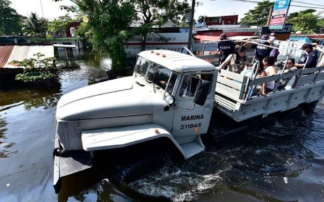 Adán Augusto López y Manuel Bartlett se culpan mutuamente por inundaciones y daños en Tabasco - Foto EFE