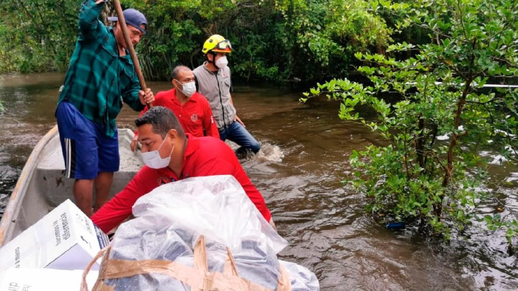 AMLO llega a Tabasco; evalúa con gabinete situación de emergencia por daños de lluvias y desfogue de presa Peñitas - Foto Twitter @ProcivilTabasco