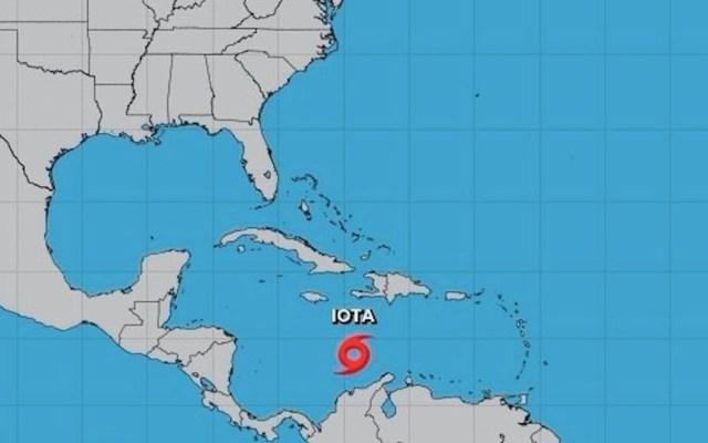 Iota continúa su desplazamiento hacia Centroamérica; continuará forteleciéndose - Foto de NHC