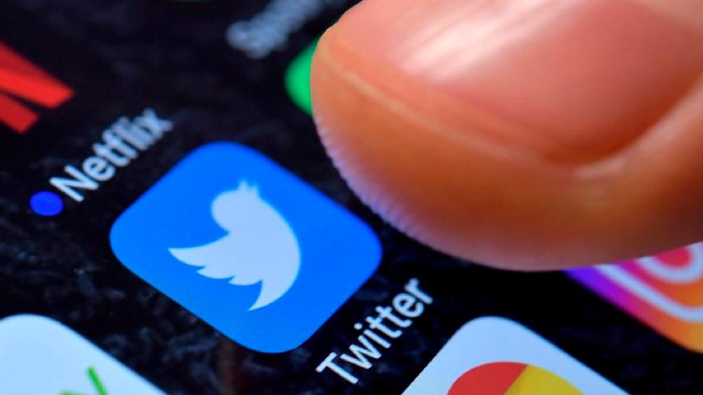 Twitter relanzará política de verificación en 2021; solicitará a usuarios comentarios y opiniones sobre esta medida - Twitter relanzará política de verificación en 2021; solicitará a usuarios comentarios y opiniones sobre esta medida. Foto EFE