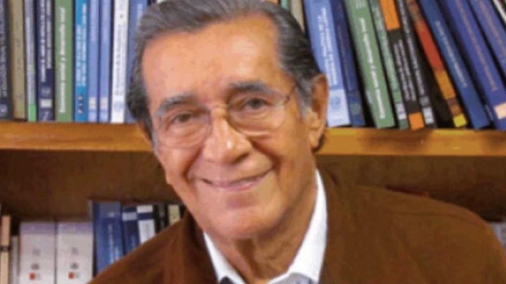 Murió Víctor Flores Olea, exdirector de la Facultad de Ciencias Políticas de la UNAM; AMLO envía condolencias - Foto de 24 Horas Puebla