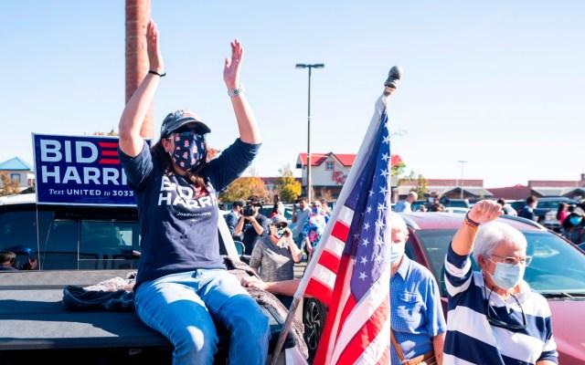 Vecinos de Biden celebran en la calle y esperan su discurso de victoria - Foto de EFE