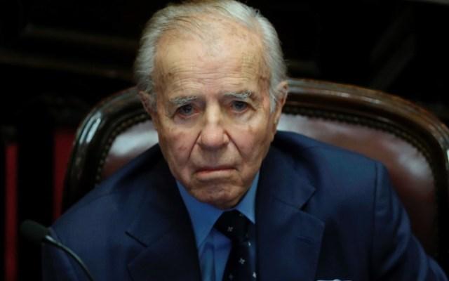 Sacan del coma inducido a Carlos Menem; está 'bastante mejorcito', afirma familia - Foto de EFE