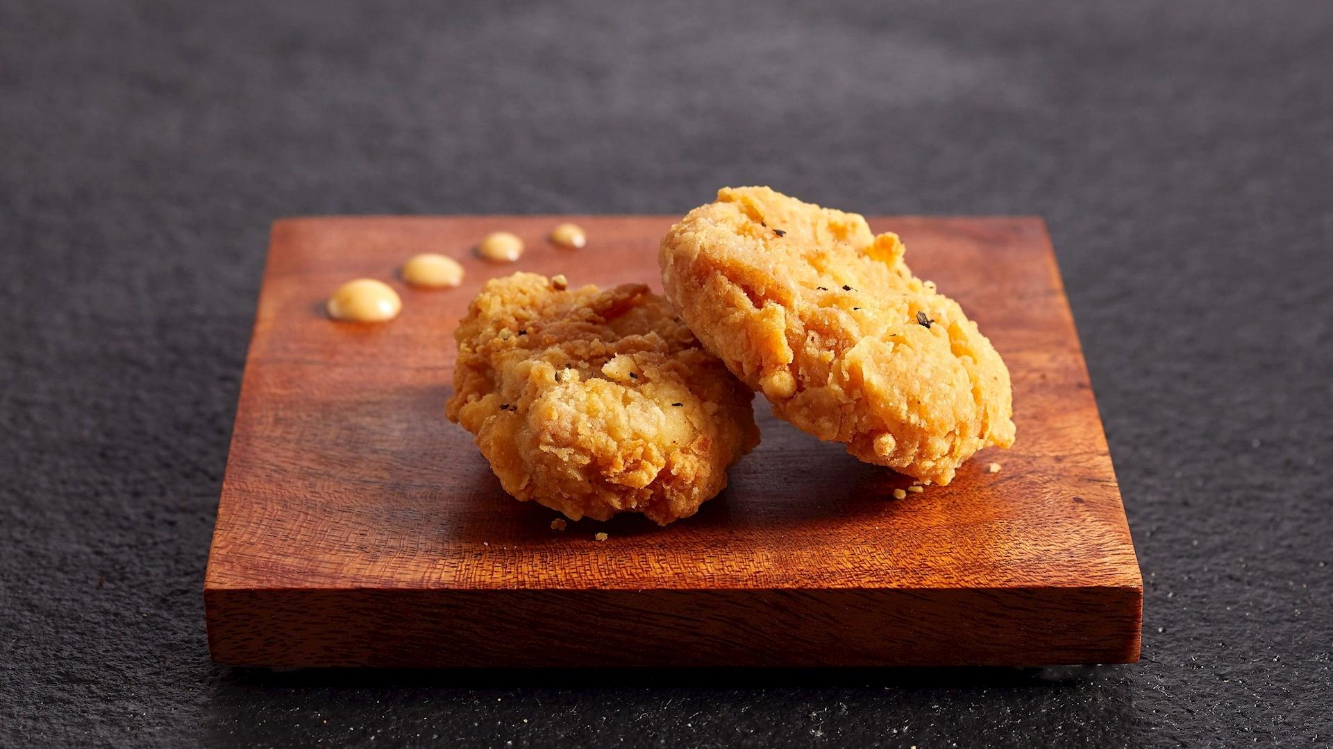 Singapur autoriza venta de carne de pollo artificial, una primicia mundial