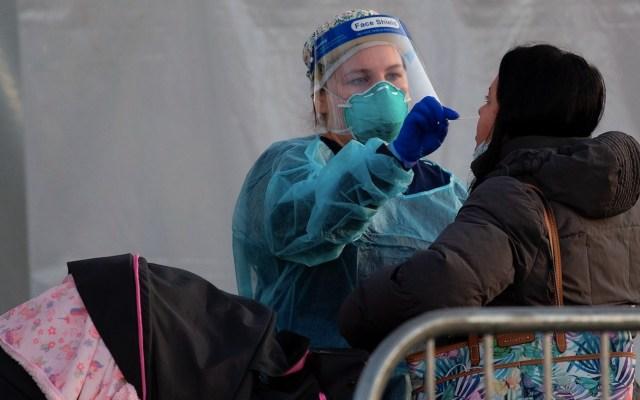 EE.UU rompe récord de muertes diarias por COVID-19 - Foto de EFE