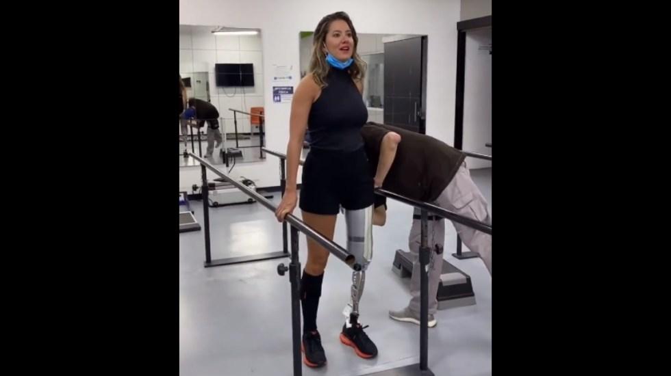 #Video Daniella Álvarez, Miss Colombia 2011-2012, da sus primeros pasos tras recibir prótesis de pierna - Daniella Álvarez primeros pasos