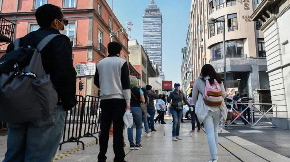 Semáforo epidemiológico en México seguirá vigente, asegura Hugo López-Gatell - Desciende la movilidad en la Ciudad de México, pero pico de hospitalizaciones por COVID-19 es máximo. Foto Twitter @Claudiashein