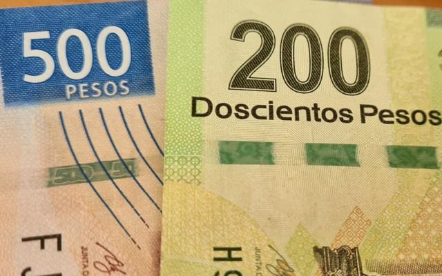 Los cuatro ejes para la reactivación económica en México - Dinero pesos billetes México economía 2
