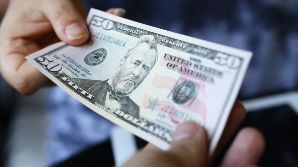 Economía estadounidense crece a un ritmo de 6.4 % en primer trimestre del año - Dólar estadounidense. Foto de Banxico