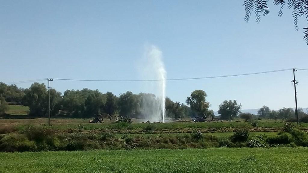 #Video Fuga de combustible en Tlahuelilpan eleva chorro de 7 metros - Fuga de combustible en Tlahuelilpan, Hidalgo. Foto de @puntoporpuntomx