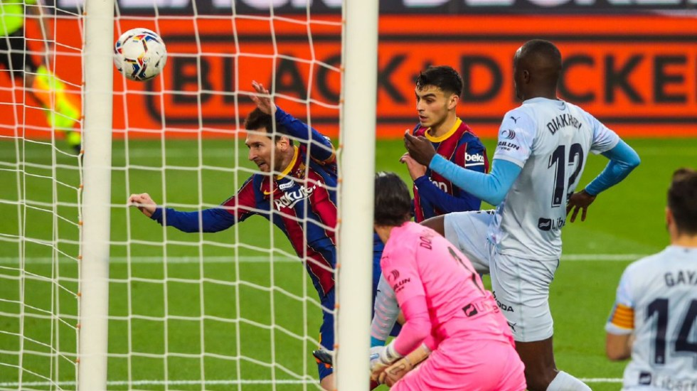 Messi iguala el récord histórico de Pelé de goles con un mismo club - Foto de EFE