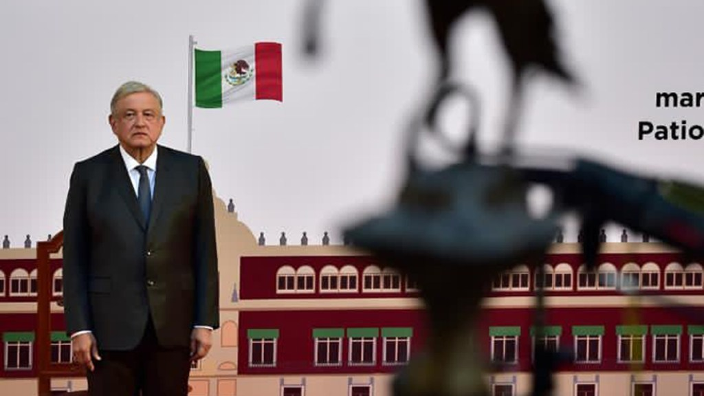Los tres compromisos que faltan por cumplir a López Obrador - López Obrador en Palacio Nacional durante Informe de Gobierno. Foto de Presidencia de México