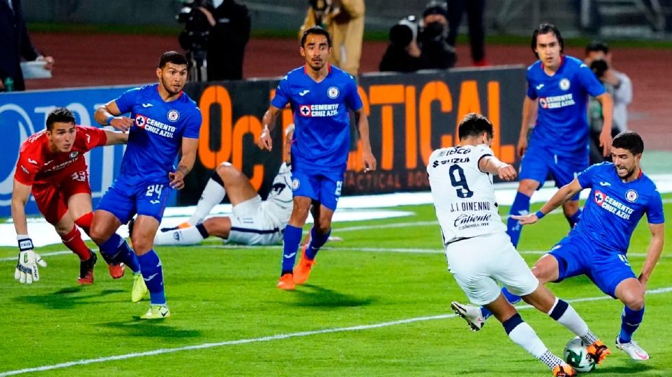 Pumas logra la mayor remontada en la historia de las liguillas ante Cruz Azul y pasa a la Gran Final - Cruz Azul visitó a los Pumas en el estadio Olímpico Universitario. Foto Twitter @PumasMX