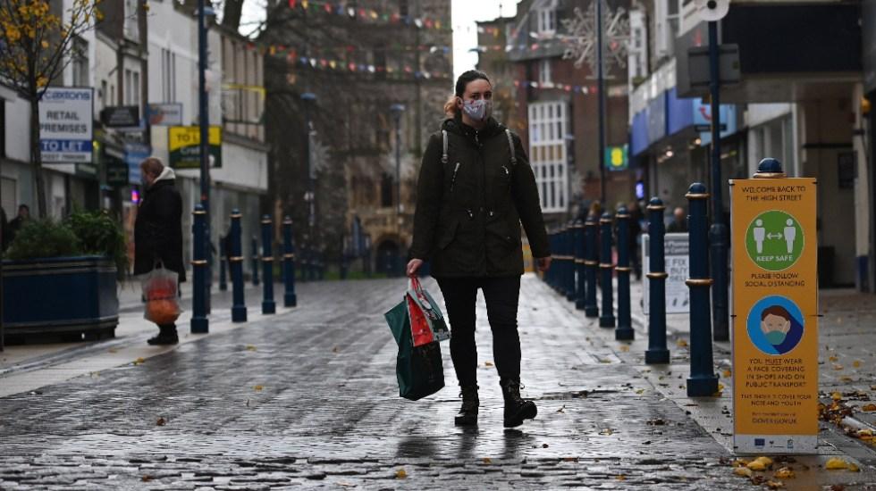 Médicos británicos piden apoyo y protección ante el incremento de la pandemia - Foto de EFE