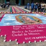 Del Dios del Maíz a la Virgen de Guadalupe, diálogos de un arte precolombino - Con motivo del Día de la Virgen de Guadalupe se instaló un tapete monumental y 15 mil veladoras en las inmediaciones de la Basílica de la CDMX. Foto de @INBGuadalupe