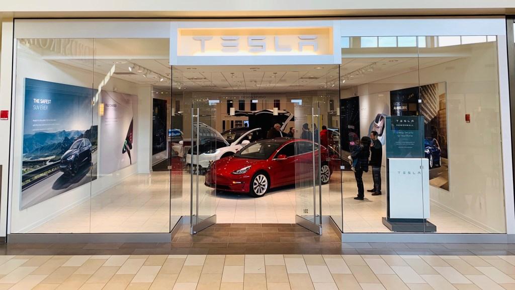El 2020 dio a Tesla un meteórico ascenso en los mercados - Tienda de Tesla en EE.UU. Foto de @Tesla