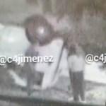 #Video Sujeto abandona más de una tonelada de cocaína tras volcar camioneta en la Miguel Hidalgo