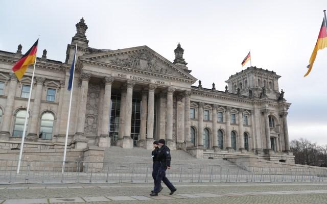 Alemania registra nuevo máximo con mil 244 muertos por COVID-19 en 24 horas - Bundestag (parlamento) de Alemania. Foto de EFE