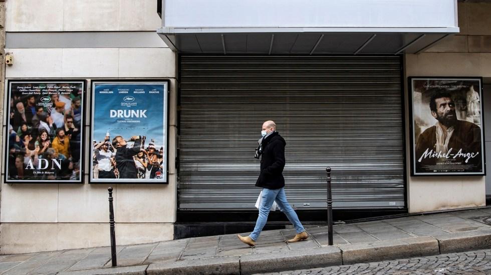 Francia refuerza medidas para evitar un nuevo confinamiento - Calles semivacías en Francia por toque de queda ante COVID-19. Foto de EFE