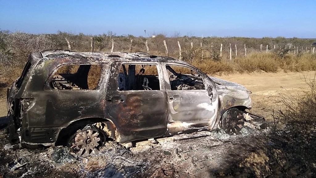 Juez federal ordena a FGR investigar masacre en Camargo, Tamaulipas - Camioneta con cuerpos calcinados hallada por la Fiscalía General de Justicia de Tamaulipas, en el municipio de Camargo. Foto de EFE