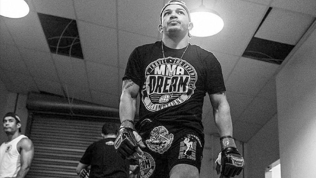 Detienen a peleador mexicano de la UFC por apuñalar a dos de sus hermanas - Capturan a Irwin Rivera, peleador mexicano de la UFC, por apuñalar a dos de sus hermanas. Foto Instagram irivera144_1
