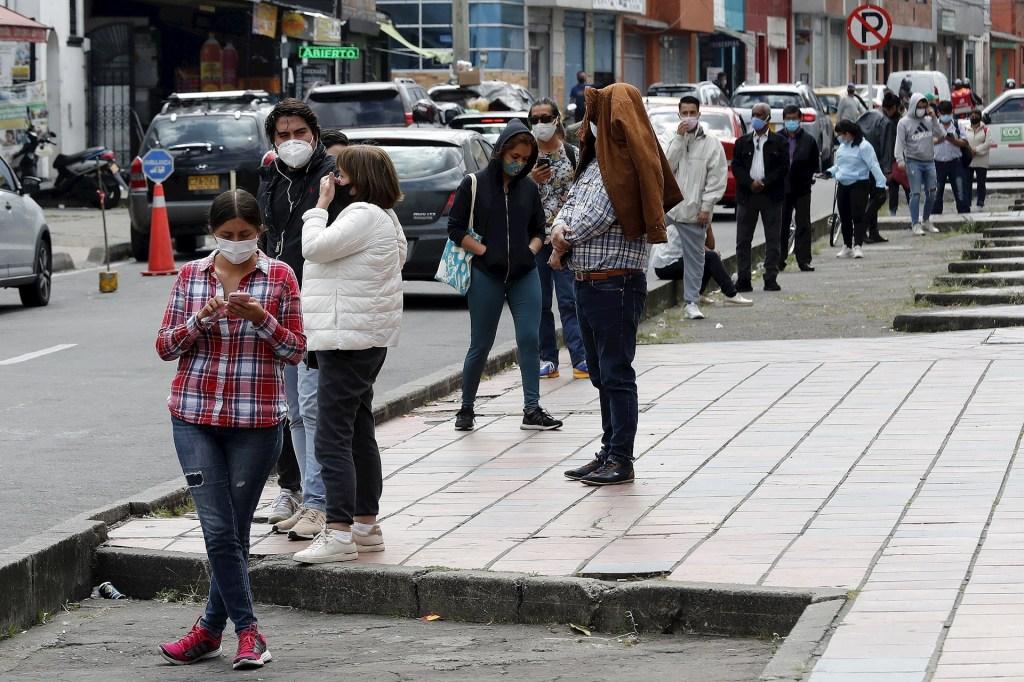 Colombia supera los dos millones de contagios de COVID-19 - Foto de EFE/ Mauricio Dueñas Castañeda.