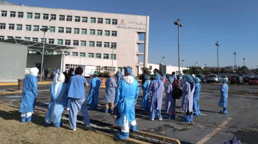 "Se registra corto circuito en Centro Médico ""Adolfo López Mateos"", en Toluca - Foto de @AlonsoHerreraT"