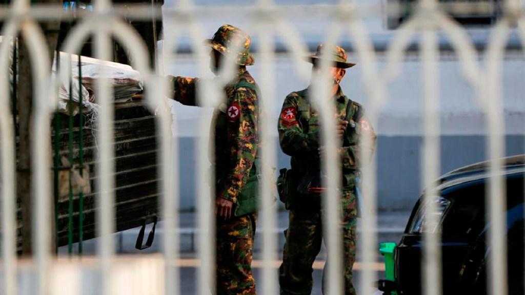 Junta militar en Birmania bloquea internet para frenar protestas - Ejército de Birmania detiene a la líder del gobierno, Aung San Suu Kyi y al presidente Win Myint. Foto EFE