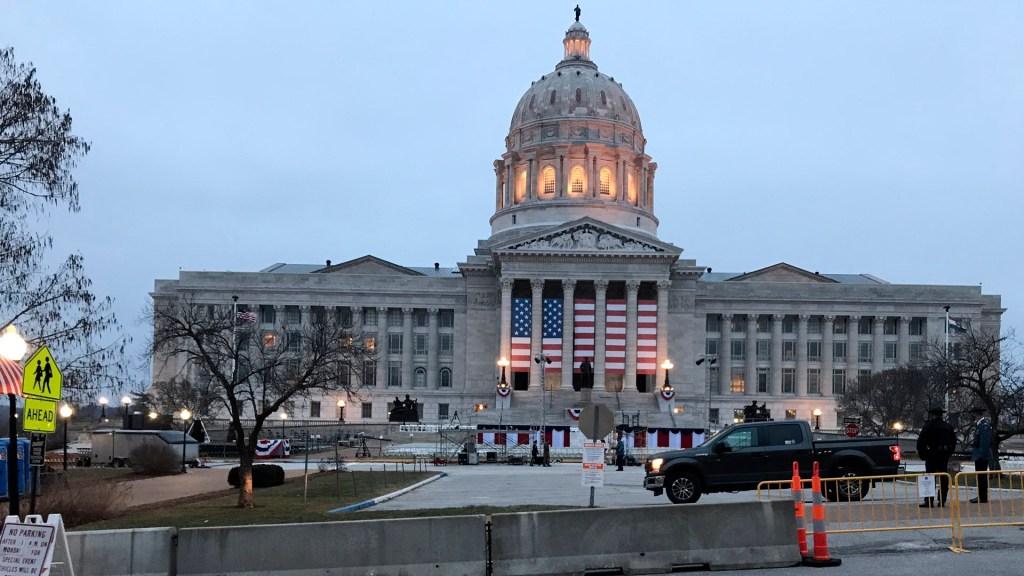 Cámara Baja de EE.UU. insta a Mike Pence invocar Enmienda 25 pese a negativa; buscarán nuevo juicio político - El Capitolio de Estadoa Unidos. Foto Twitter @MoCapitolPolice