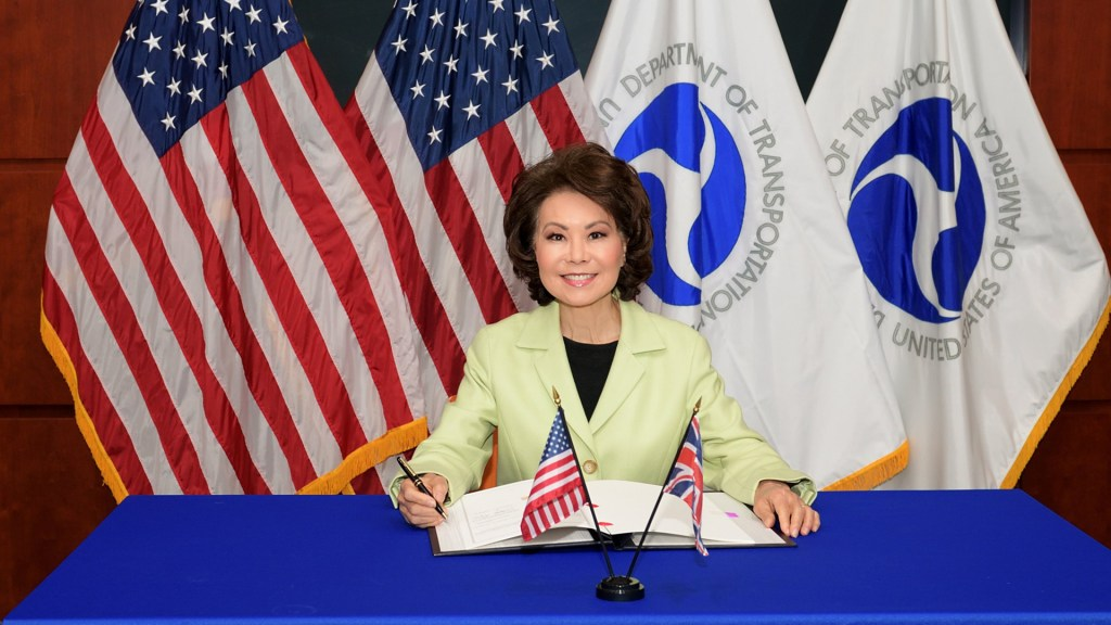 Dimite la secretaria de Transporte de EE.UU. tras asalto al Capitolio - Elaine Chao. Foto de @SecElaineChao