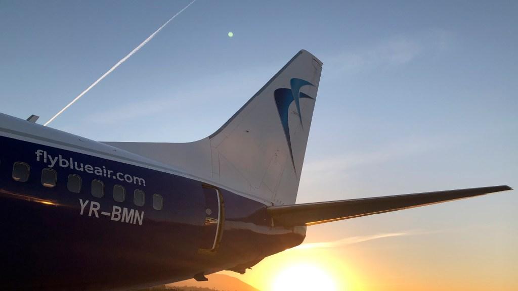 España prorroga restricciones a vuelos de Reino Unido, Sudáfrica y Brasil - España revisará que todos los pasajeros procedentes de Brasil aporten prueba PCR negativa. Foto Twitter @aena