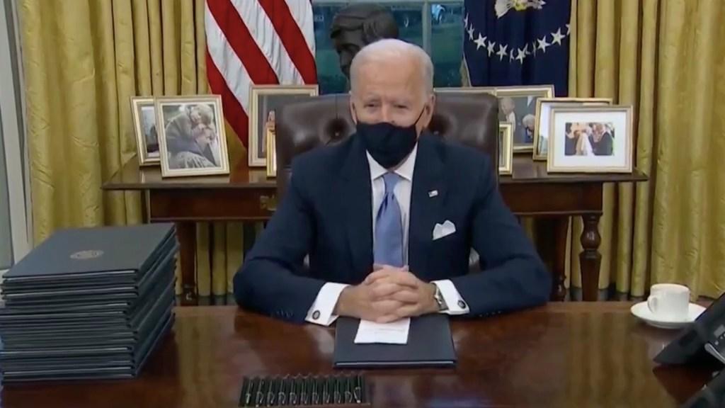 """#Video Joe Biden asegura que Donald Trump le dejó """"una carta muy generosa"""" - Captura de pantalla"""