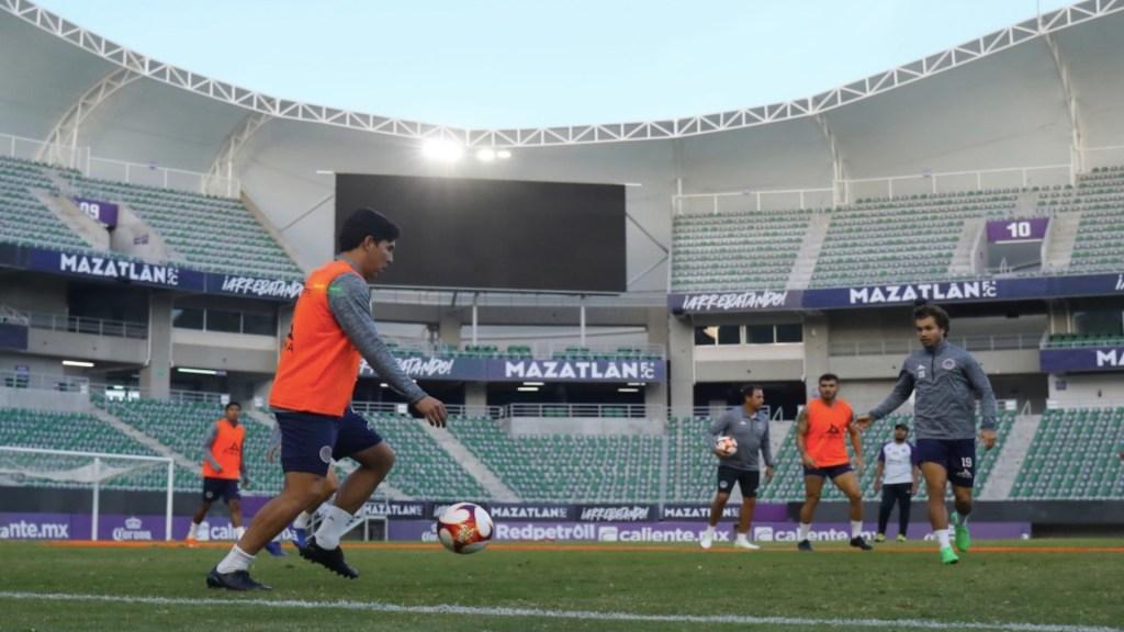 Mazatlán jugará con público en el inicio del Guard1anes 2021; el Kraken tendrá un aforo del 40 por ciento - Foto de Mazatlán FC