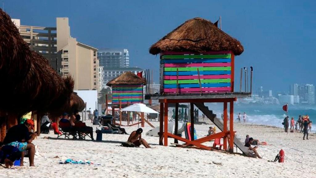 México estima llegada de hasta 33.1 millones de turistas internacionales este año - México estima llegada de 33.1 millones de turistas internacionales este año. Foto EFE