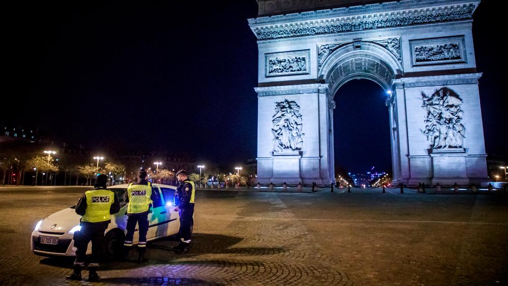 Francia endurece el toque de queda en las zonas más afectadas por el COVID-19 - Foto de EFE