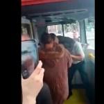 #Video Pasajeros enfrentan a chofer de Metrobús; lo acusan de dar mal servicio y estar drogado