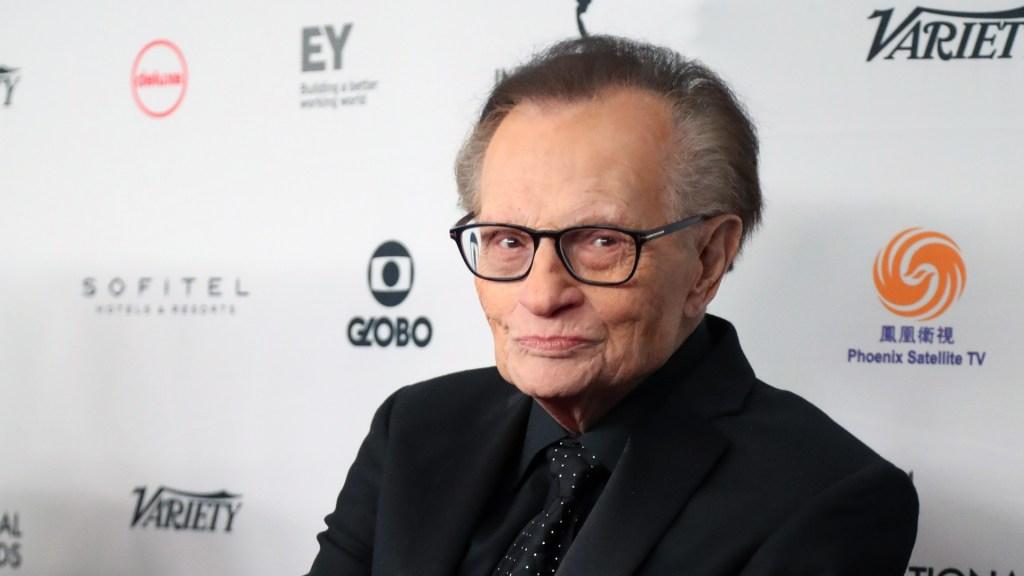 Murió el legendario presentador de televisión Larry King - Larry King. Foto de EFE