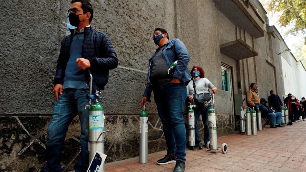 Delincuencia estaría involucrada en incremento en precio de tanques de oxígeno - Foto de EFE
