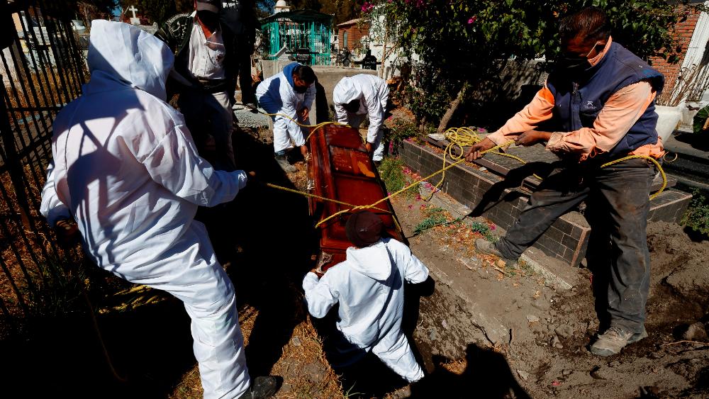 Gobierno de la CDMX modifica protocolo para manejo de muertos por COVID-19 - Foto de EFE