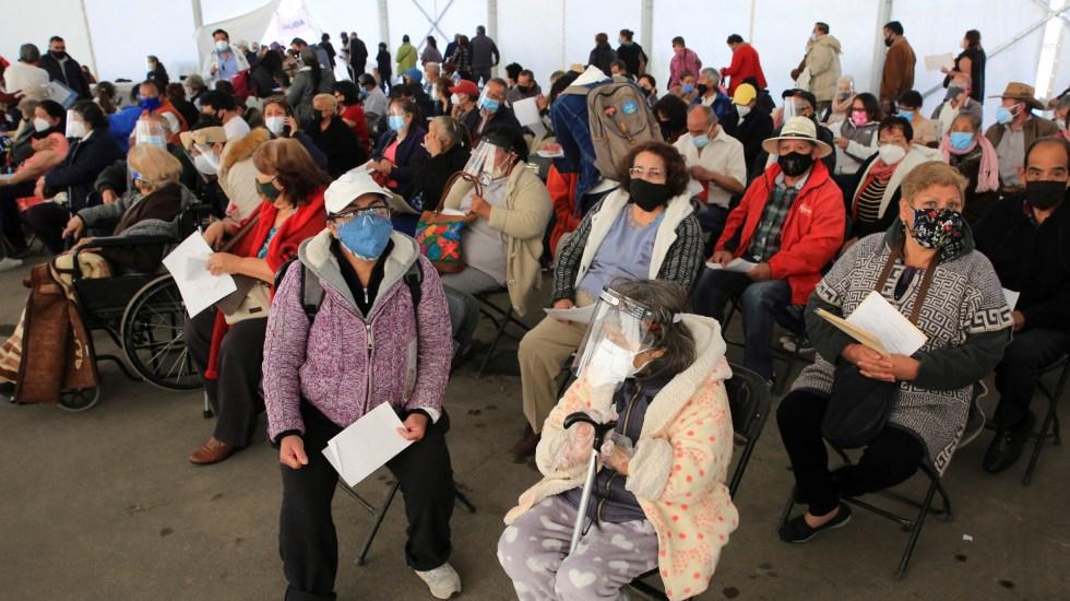 Pese a que AMLO declaró cumplido compromiso, faltan 4 millones de adultos mayores por vacunarse - vacunación adultos mayores Ecatepec méxico