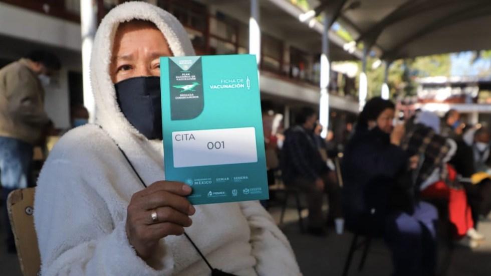 En el segundo día de vacunación a adultos mayores se aplicaron 31 mil 499 dosis en la Ciudad de México - Foto de Gobierno de la Ciudad de México