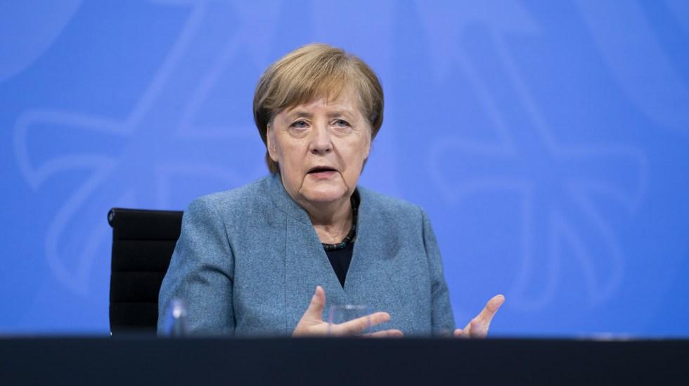 Merkel toma las riendas de la vacunación en Alemania, frente a los frustrantes retrasos - Angela Merkel en conferencia de prensa tras reunión con farmacéuticas por retrasos de vacunas COVID-19. Foto de EFE