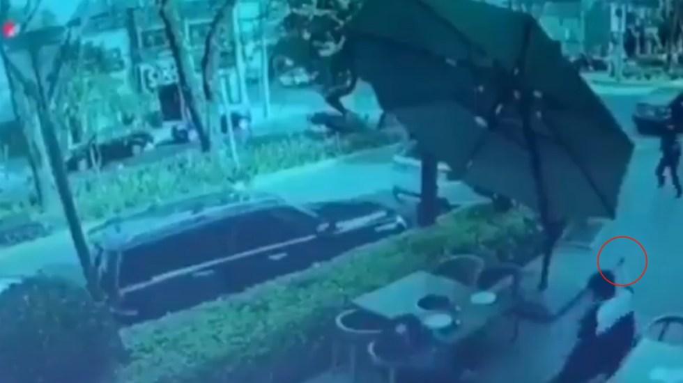 #Video Hombre armado frustra asalto en restaurante de Lomas de Chapultepec - Asalto Lomas Chapultepec armado sujeto