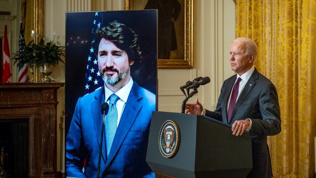 """""""Se ha echado de menos el liderazgo de Estados Unidos"""", dice Trudeau en primera reunión virtual con Biden - Foto de EFE/EPA/Pete Marovich."""