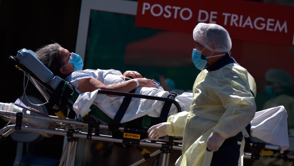 COVID-19 en Brasil es tres veces más contaminante, advierte ministro de Salud - Foto de EFE