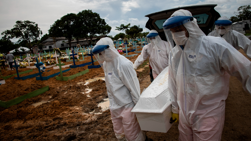 En Brasil una persona muere cada 50 segundos por COVID-19 - Foto de EFE