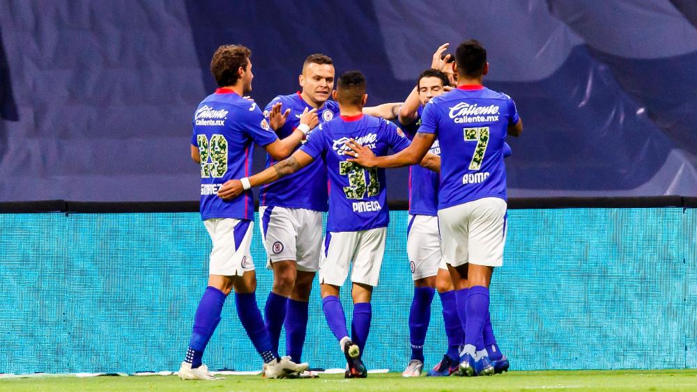 Cruz Azul vence a Toluca y acumula cinco triunfos consecutivos - Foto de EFE