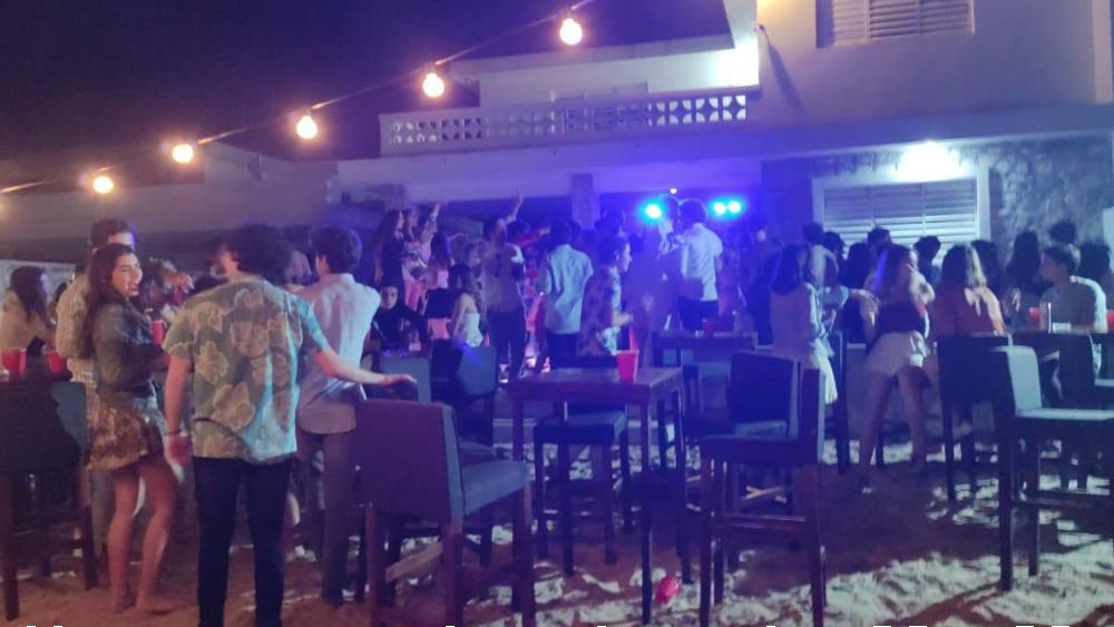 Suspenden  en Yucatán fiesta clandestina con 70 jóvenes - Foto de @Wenaguayo